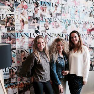 Rechts van mij Ellyne Hage de organisator (Brand Manager) en links van mij Laurèl Bodenhorst Meyer (Marketing)